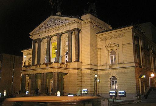 Opéra d'Etat de Prague, cliché Andreas Praefcke