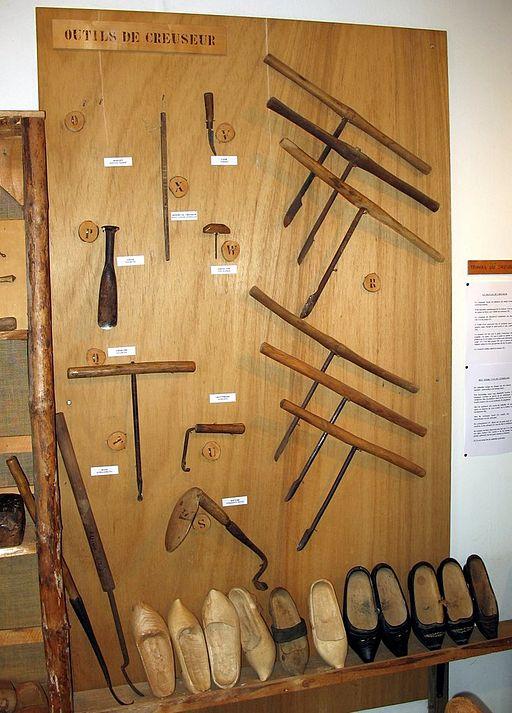 Outils de sabotier (wikicommons)