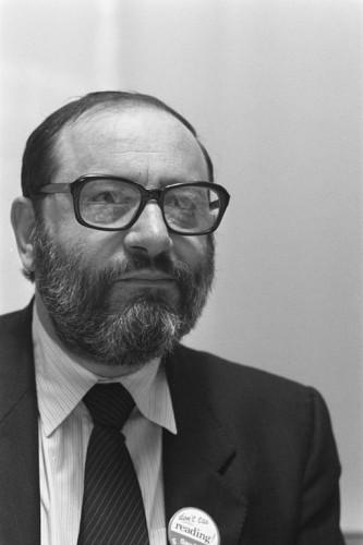 Umberto Eco en 1987, par R.C. Croes (Nationaal Archief, Den Haag, Rijksfotoarchief: Fotocollectie Algemeen Nederlands Fotopersbureau (ANEFO) wikicommons